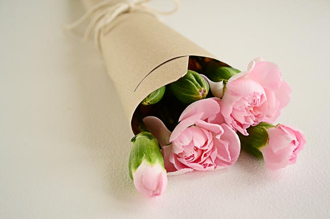 Modern paper to wrap flowers pattern top wedding gowns wrapping flowers in brown paper image collections flower mightylinksfo